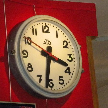 Clock.red