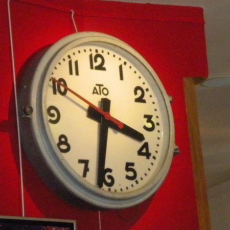Clock.red