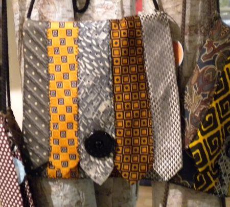 Tie purse