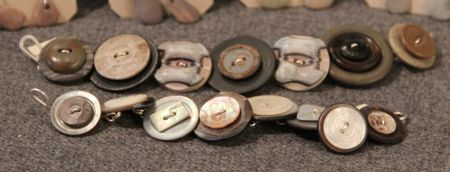Buttonbracelets.grey